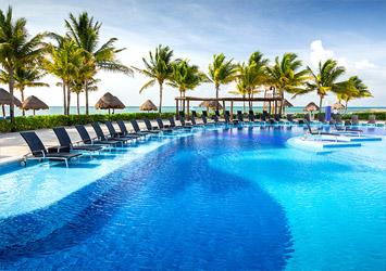 Blue Bay Grand Esmeralda Riviera Maya, Mexico pool