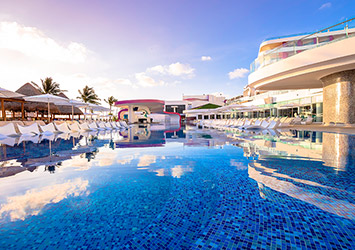 The Tower By Temptation Cancun 21 Plus swim up pool bar