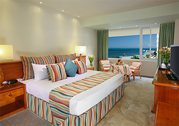 Grand Oasis Palm room