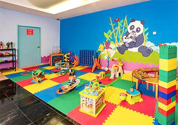 Grand Oasis Palm kids playroom