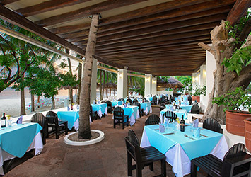 Oasis Palm Cancun, Mexico beach dining