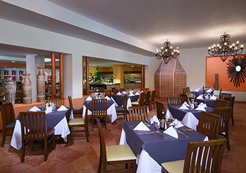 Oasis Palm Cancun, Mexico dining room