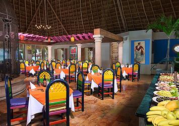 Oasis Palm Cancun, Mexico pub