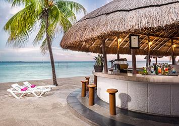 Oasis Palm Cancun, Mexico beach bar