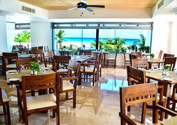 Flamingo Cancun Resort dining