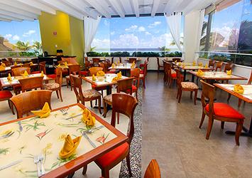 Royal Solaris Cancun Cancun, Mexico cafe